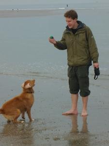 Dierenarts Timothy met zijn eigen hond Joey